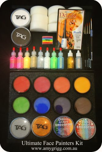 THE UlTIMATE Face Painters Kit